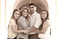Family pictures in Pasadena Ca, www.gustavovillarrealphotography.com, 323-633-8283